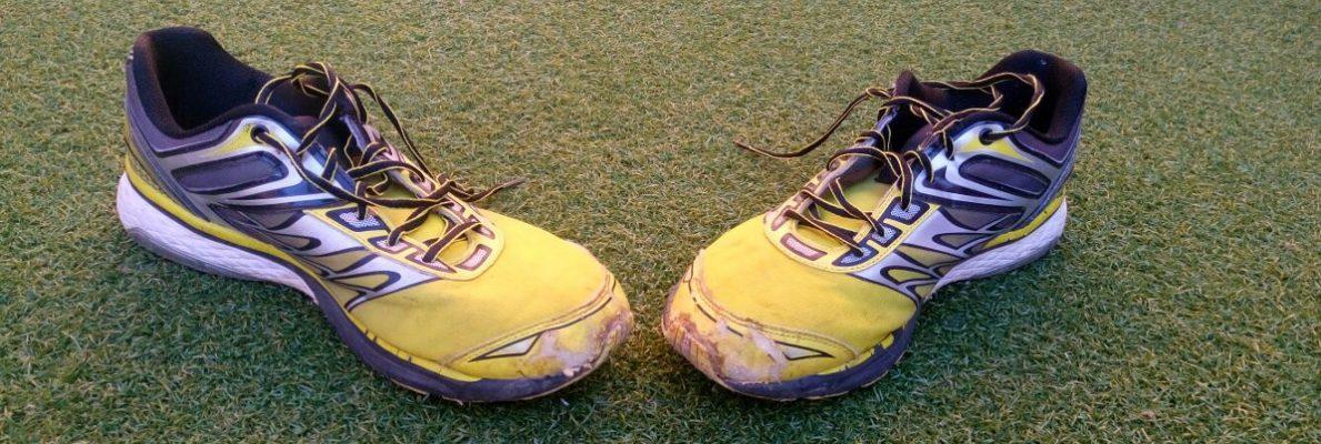 Zapatillas Amarillas Rotas