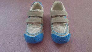 reparar zapatillas azules