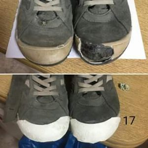 Clientes zapatillas grises